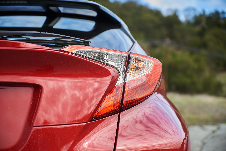 """""""Toyota C-HR"""" galinis žibintas"""