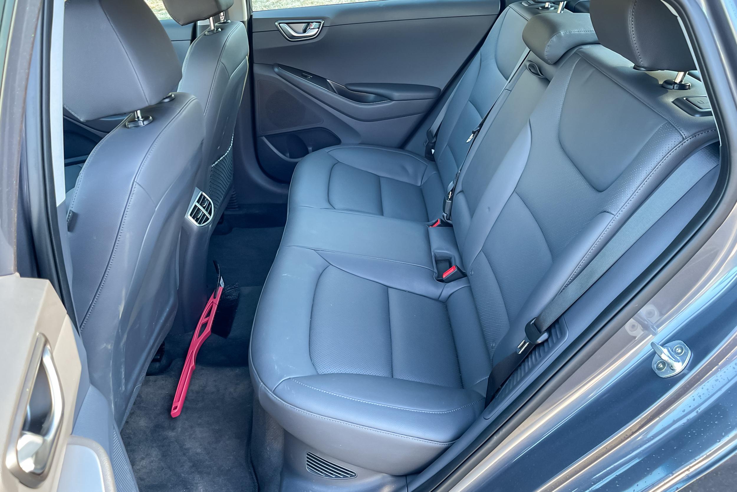 2021 Hyundai Ioniq PHEV Limited back seats