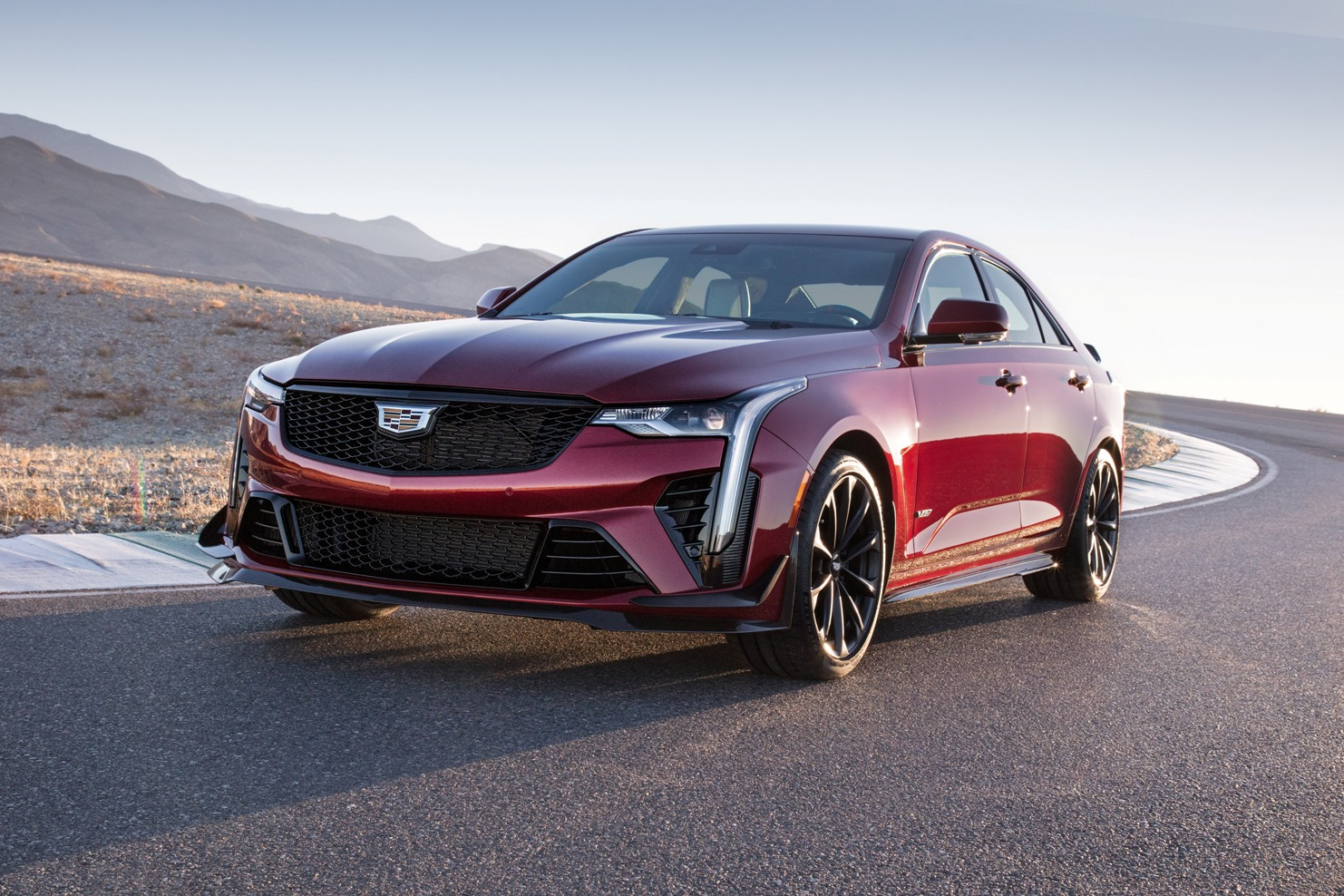 Cadillac CT4-V Blackwing on track