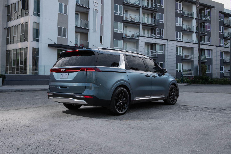 2022 Kia Carnival minivan