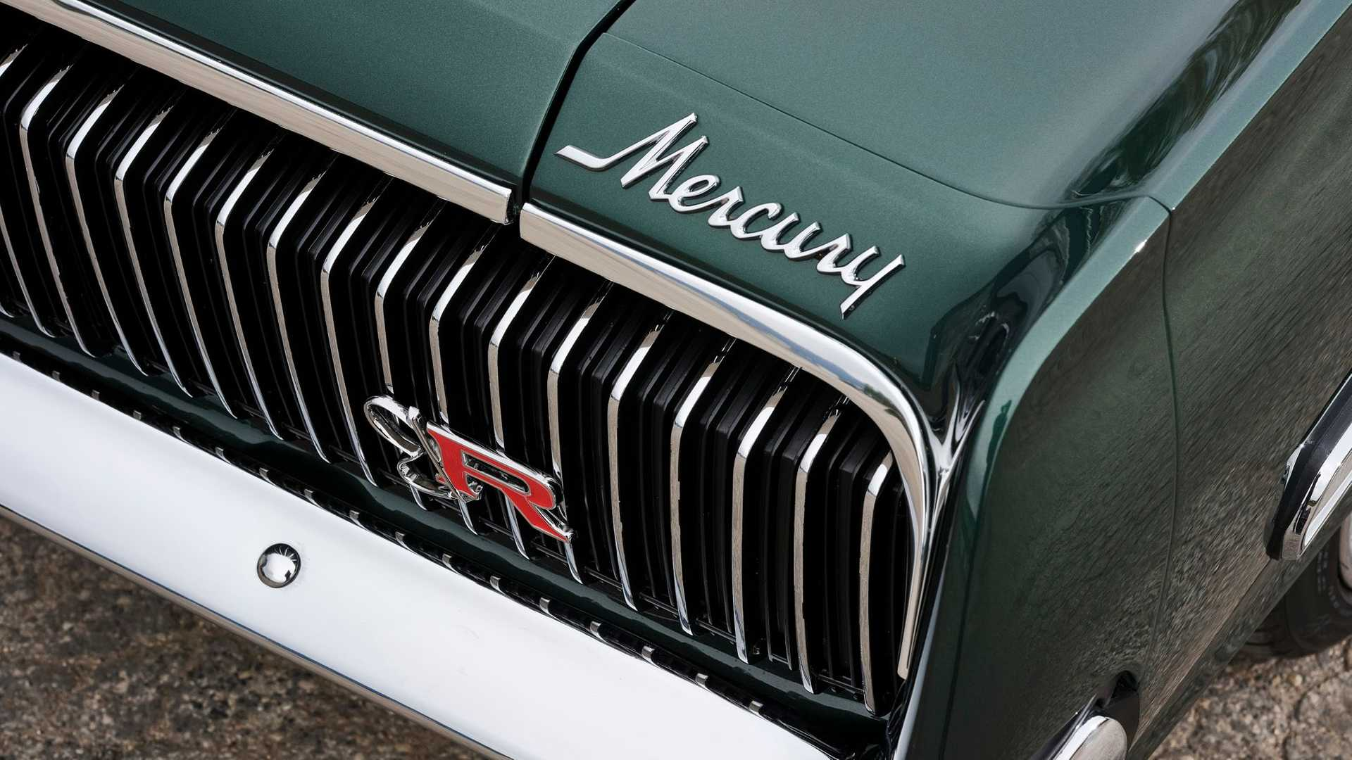 Ringbrothers custom Cougar front badge