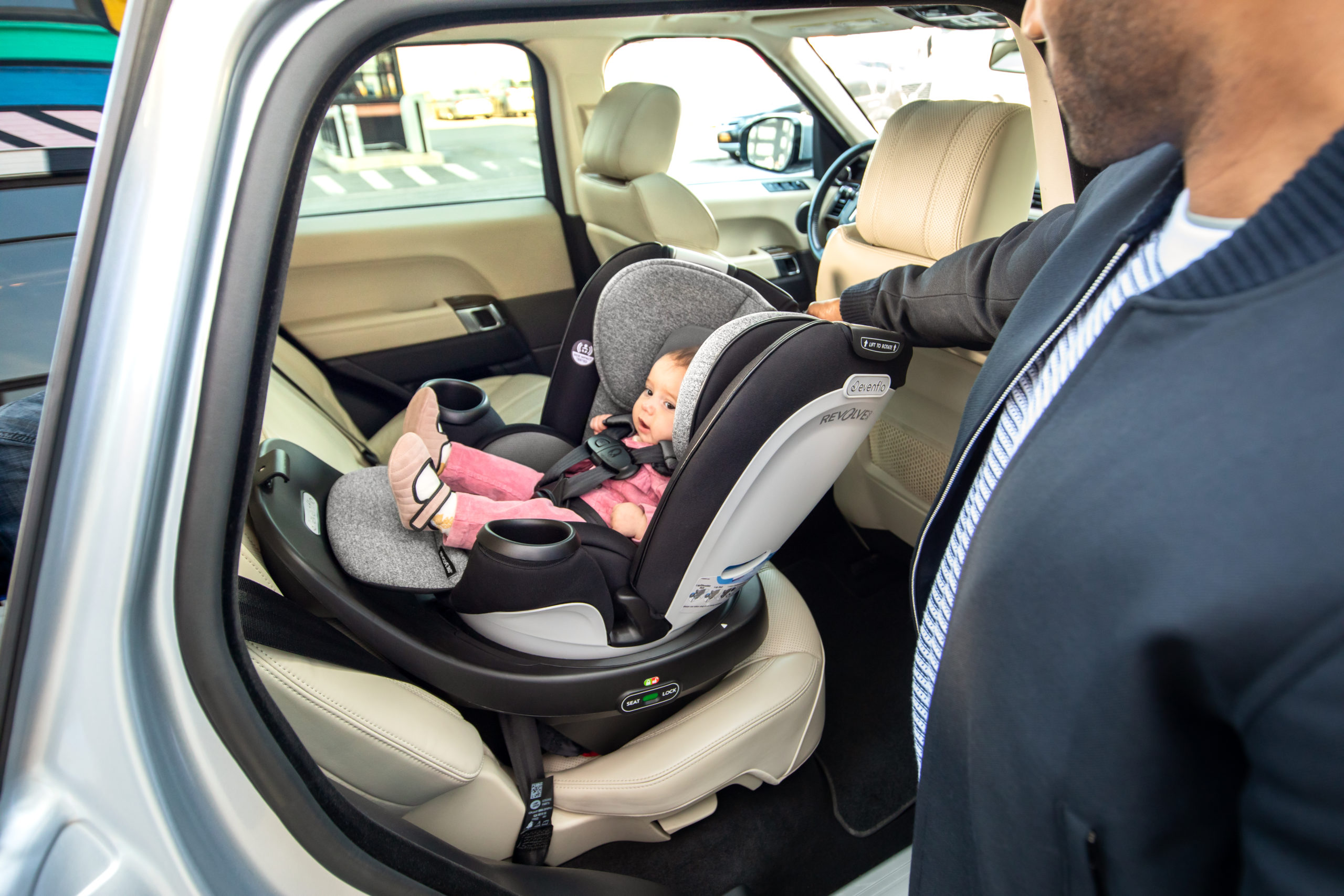 Evenflo Gold Revolve360 Rotational All-in-One Convertible Car Seat ...
