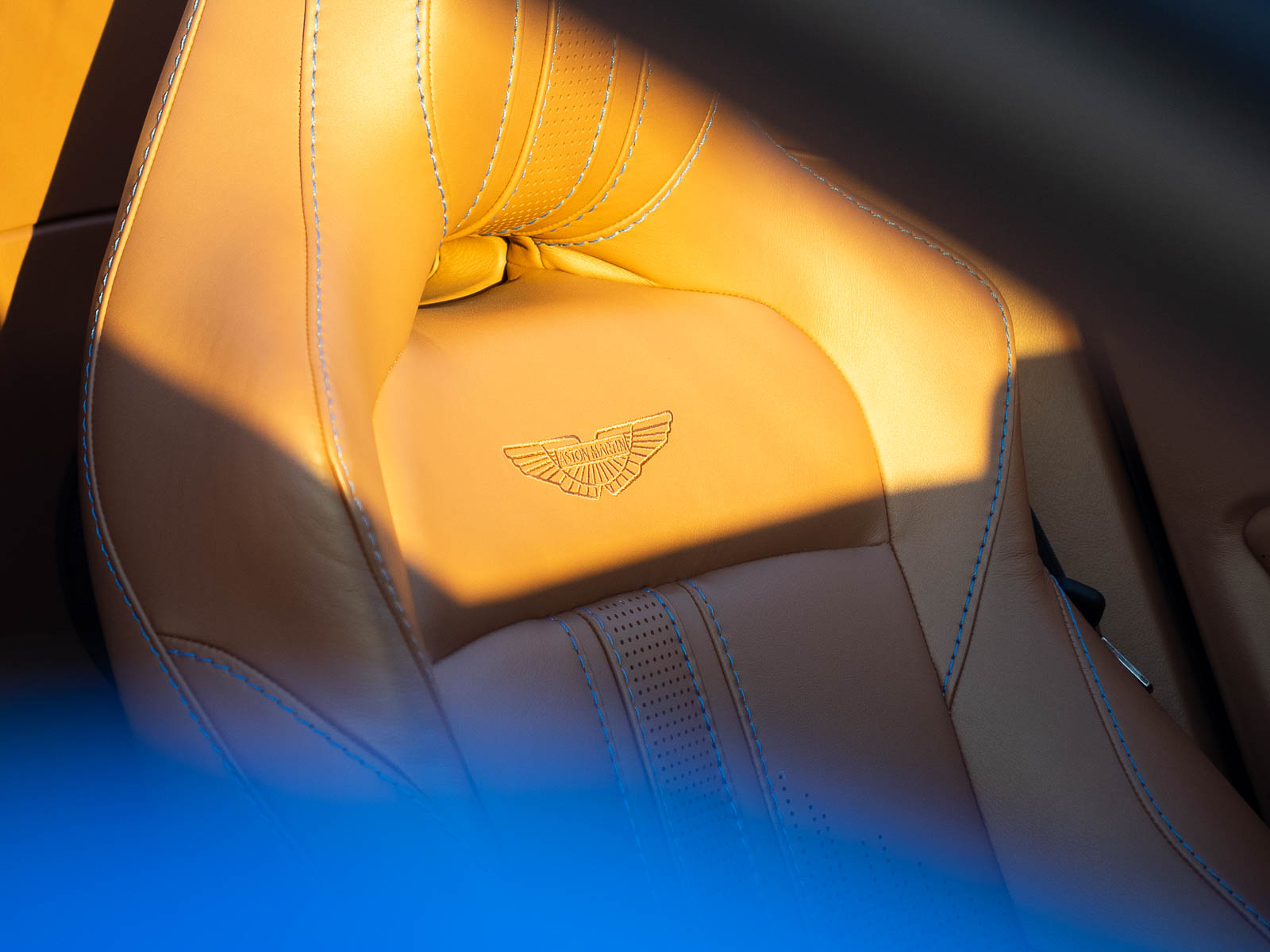 hand stitched leather seating 2021 Aston Martin Vantage roadster