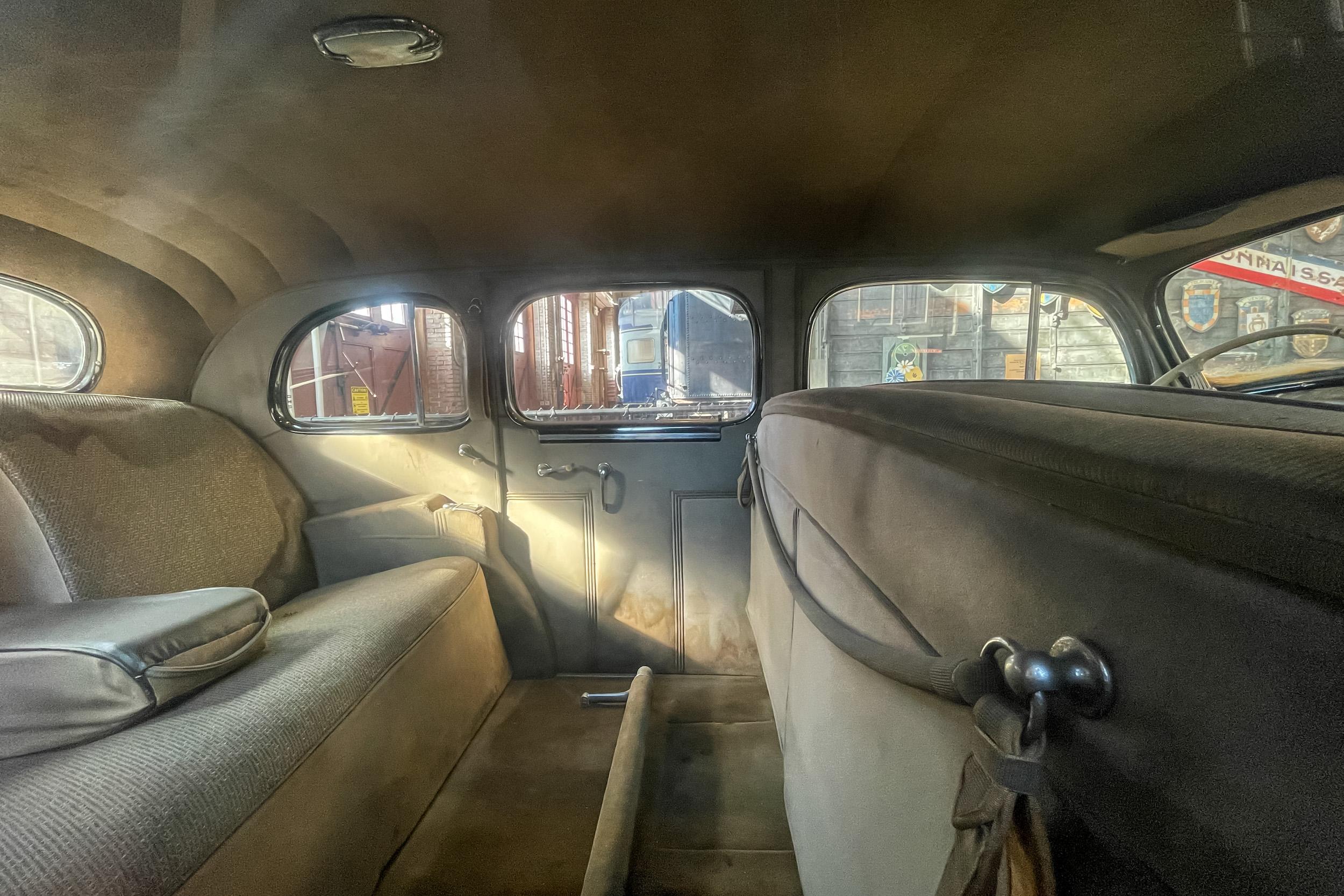 Ma & Pa 101 Buick Roadmaster railmobile interior