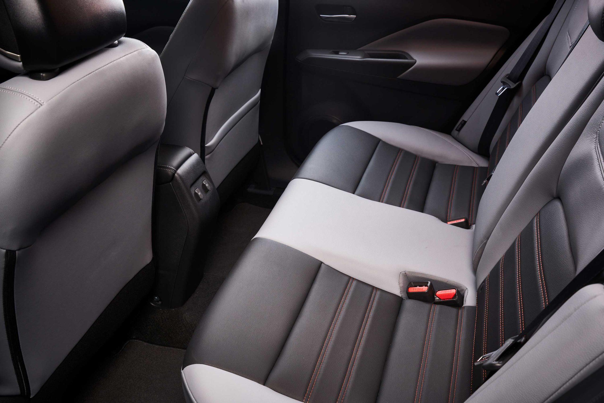 2021 Nissan Kicks Back Seat