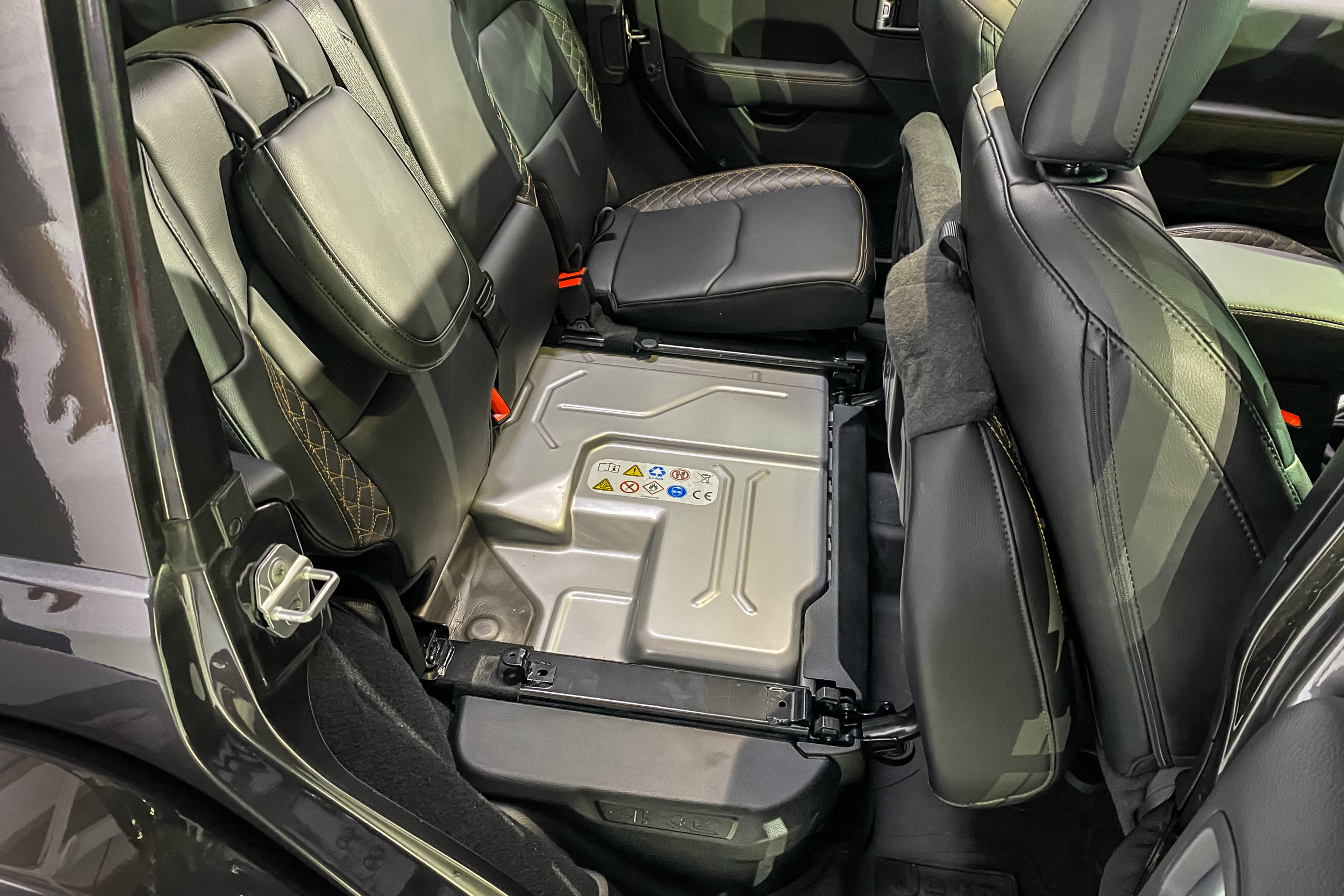 2021 Jeep Wrangler 4Xe under seat battery pack