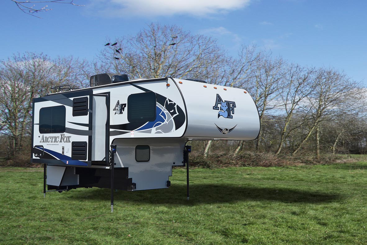 Best Truck Campers: Arctic Fox 811