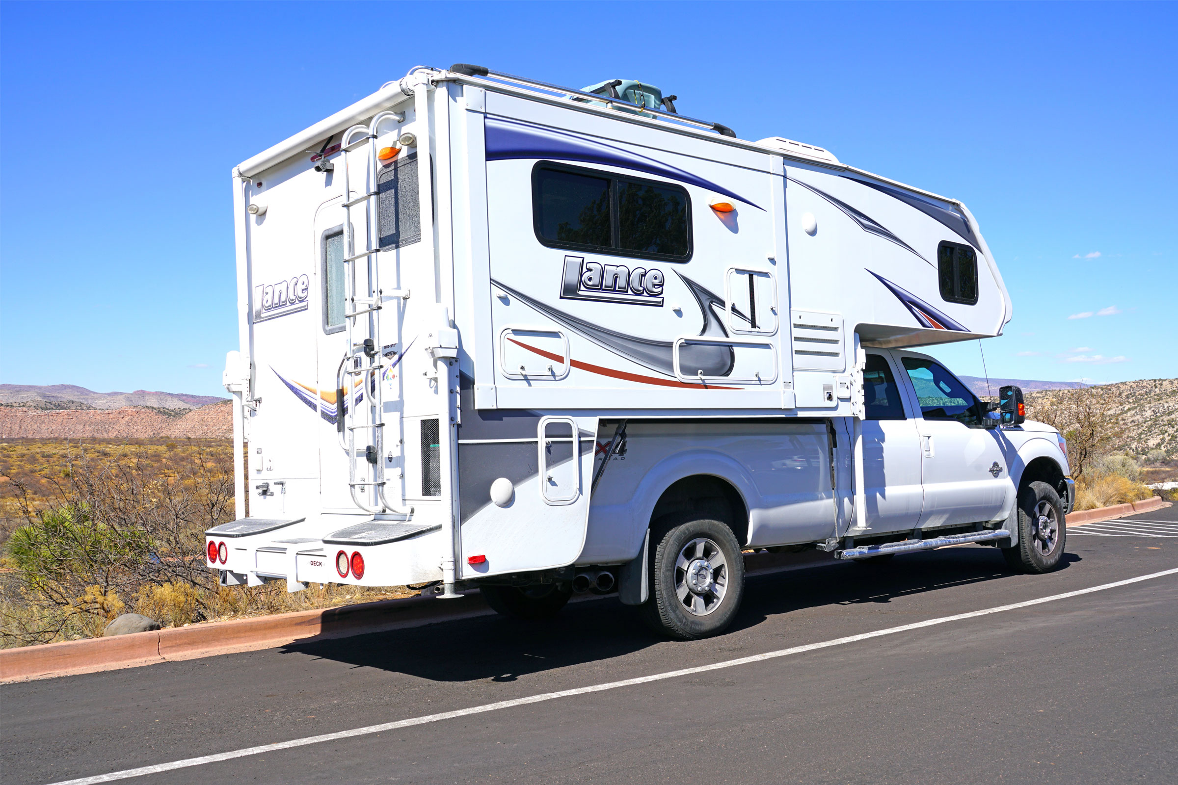 Best Truck Campers of 2021 [Buying Guide]