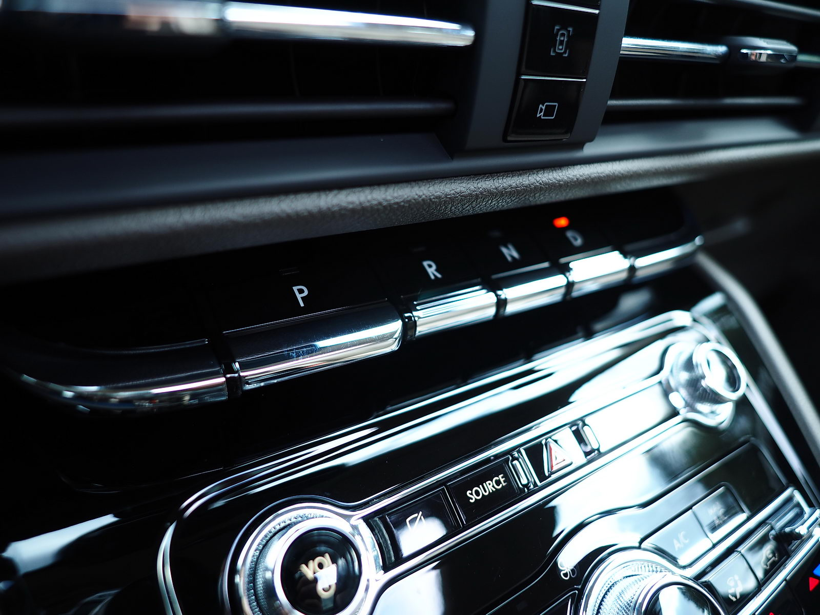 gear select buttons of 8-speed electronic transmission | 2021 Lincoln Corsair