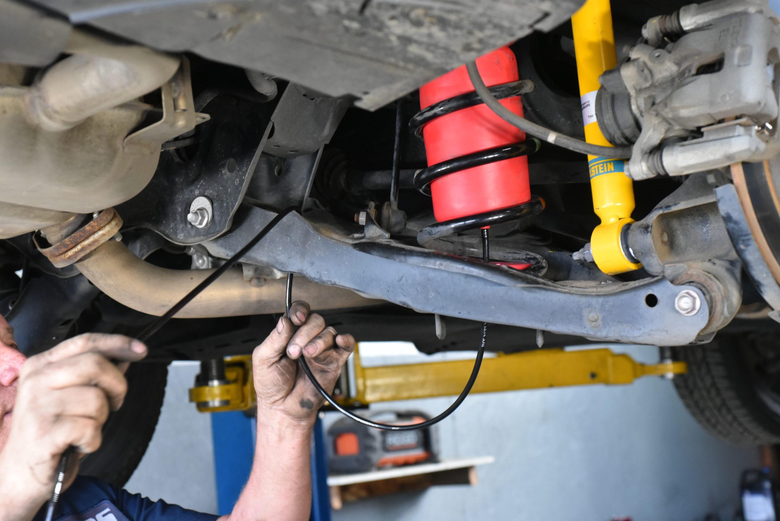 Air Lift 1000 Air Bags install