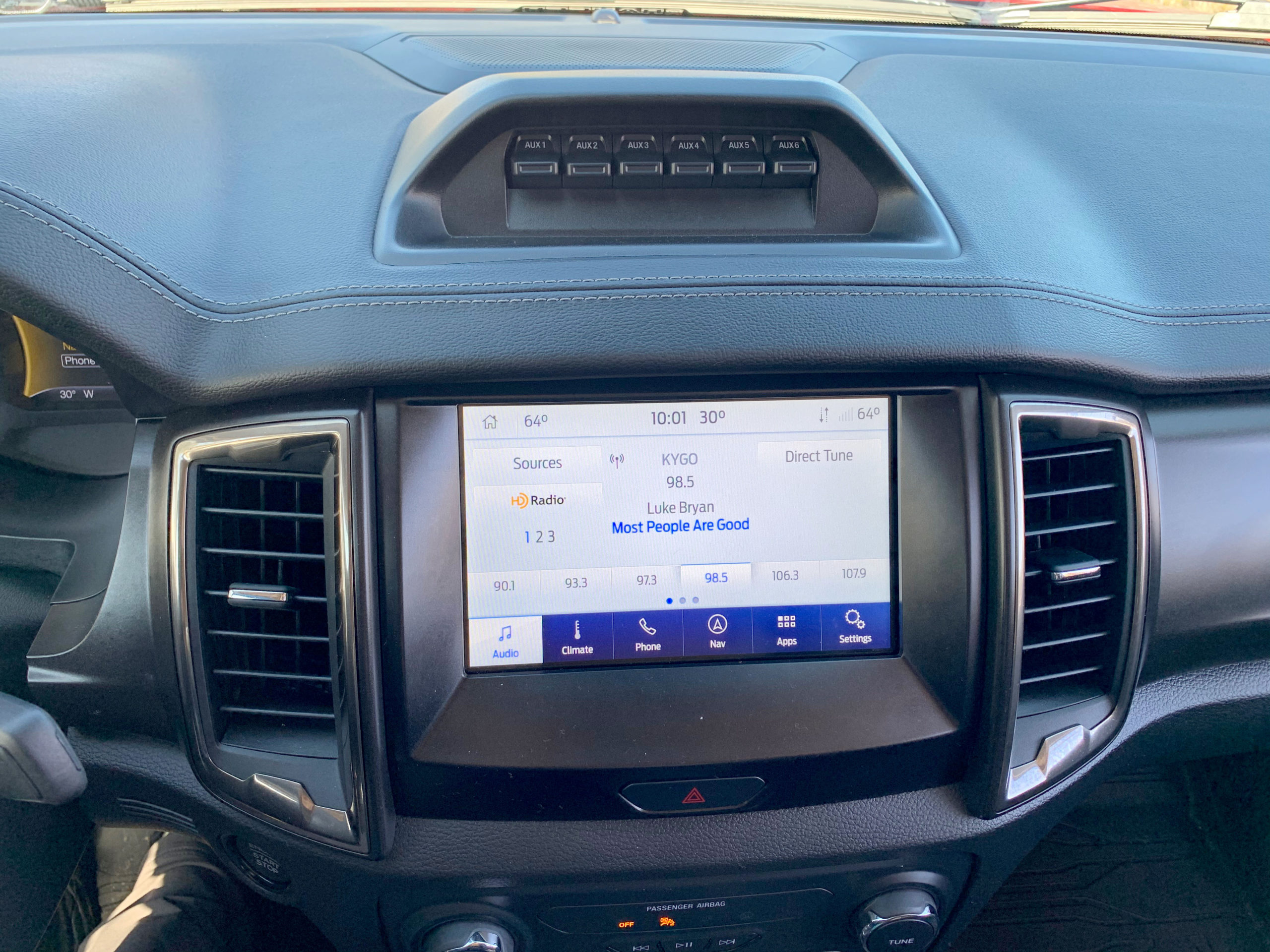 Ranger Tremor auxiliary switches and screen