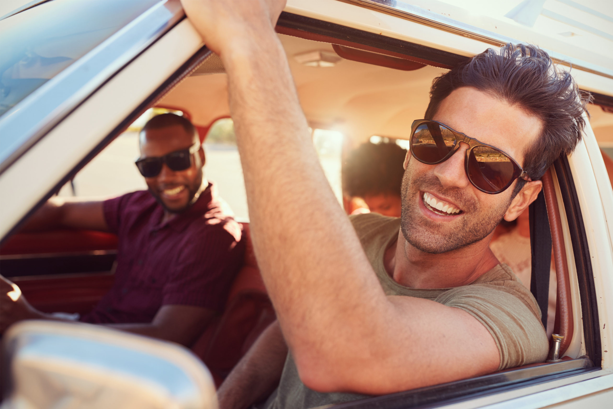 Best Driving Sunglasses of 2021 [Buying Guide]