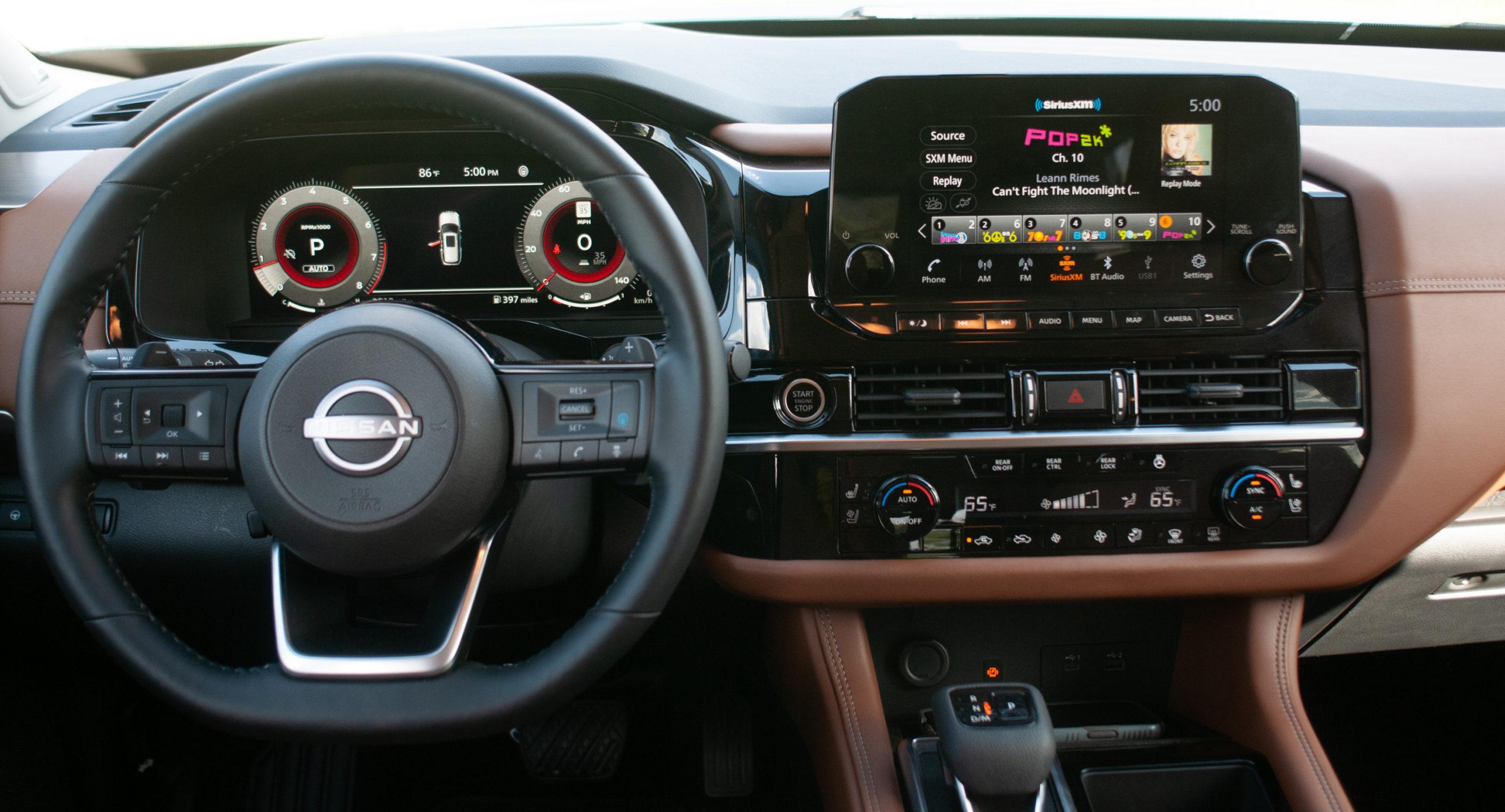 2022 Nissan Pathfinder Platinum interior