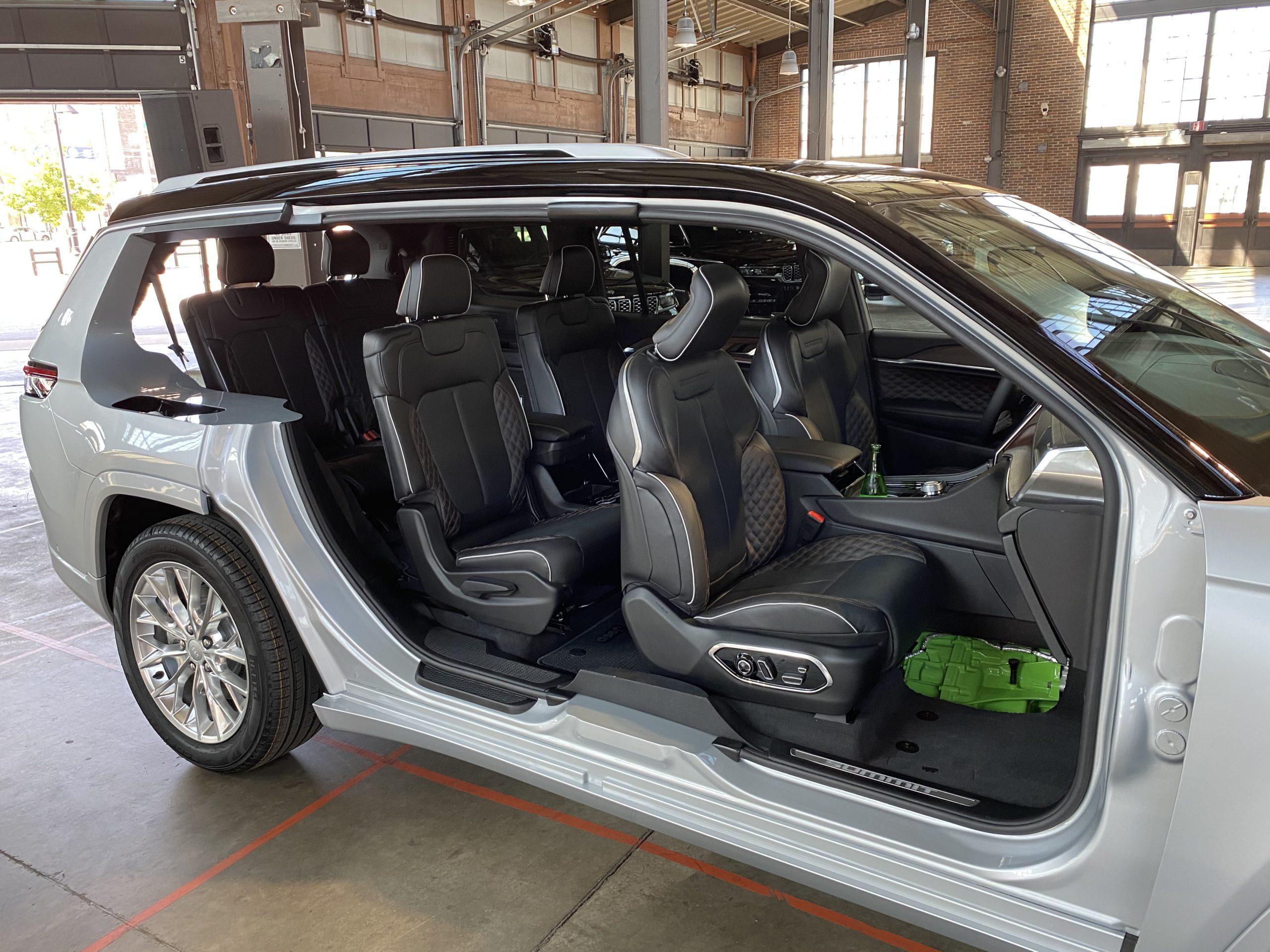 2021 Jeep Grand Cherokee L cutaway