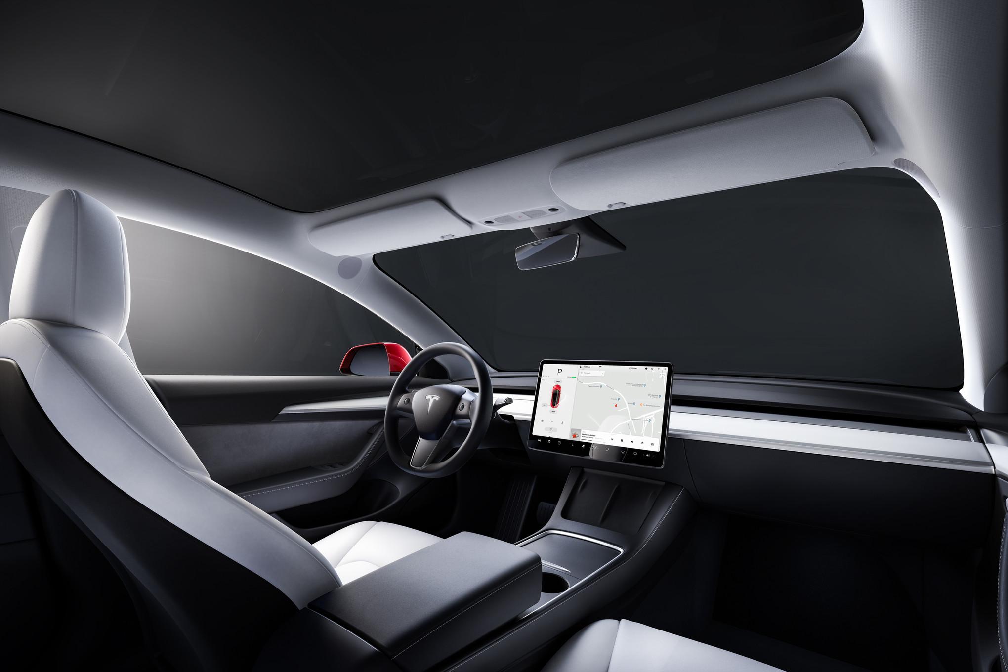Tesla Autopilot Crashes: Interior of the Model 3