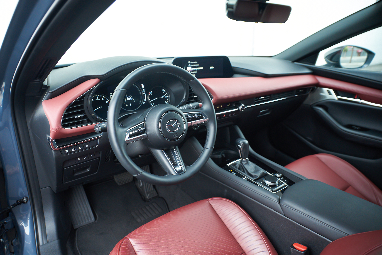 2021 Mazda3 2.5 Turbo Hatchback review - interior