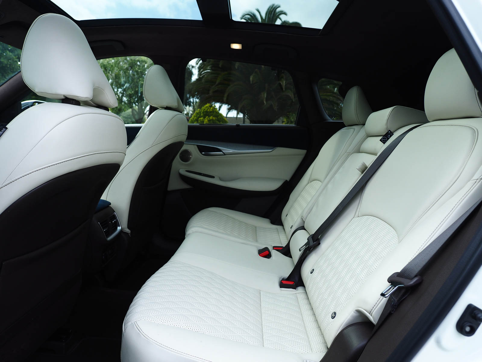 back seats | 2021 Infiniti QX50