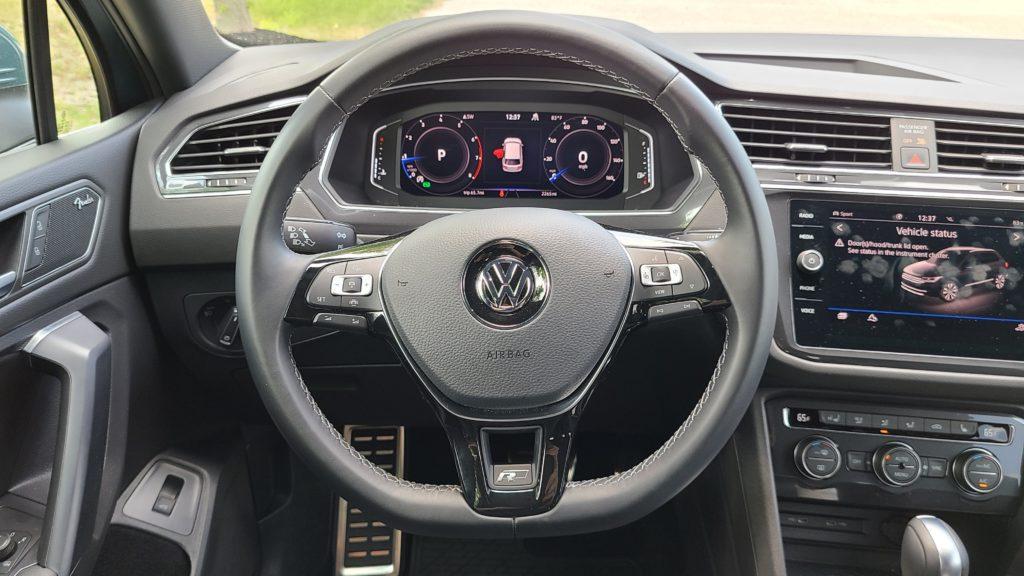 2021 Volkswagen Tiguan SEL Premium R-Line steering wheel and dash