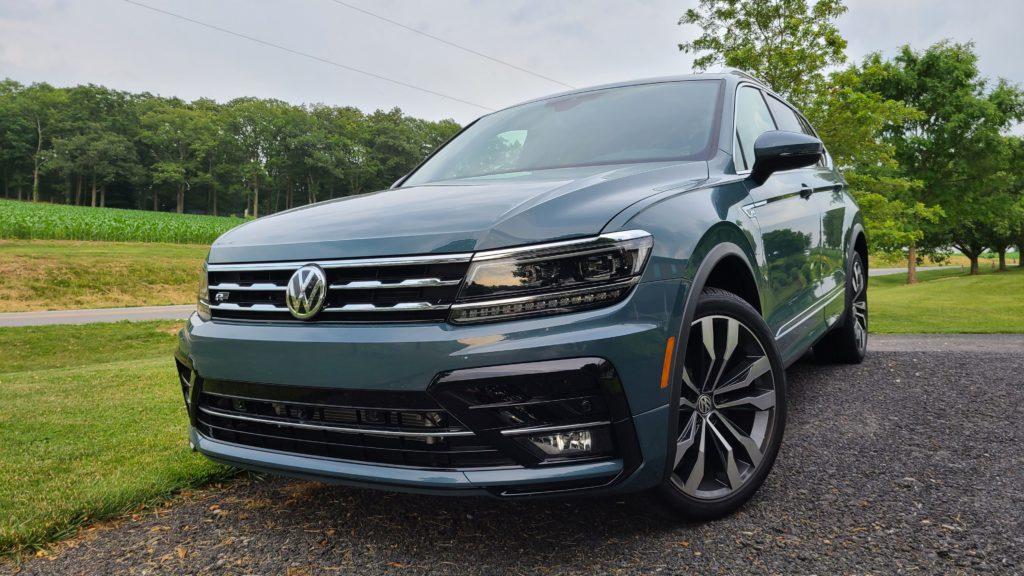 2021 Volkswagen Tiguan SEL Premium R-Line front view