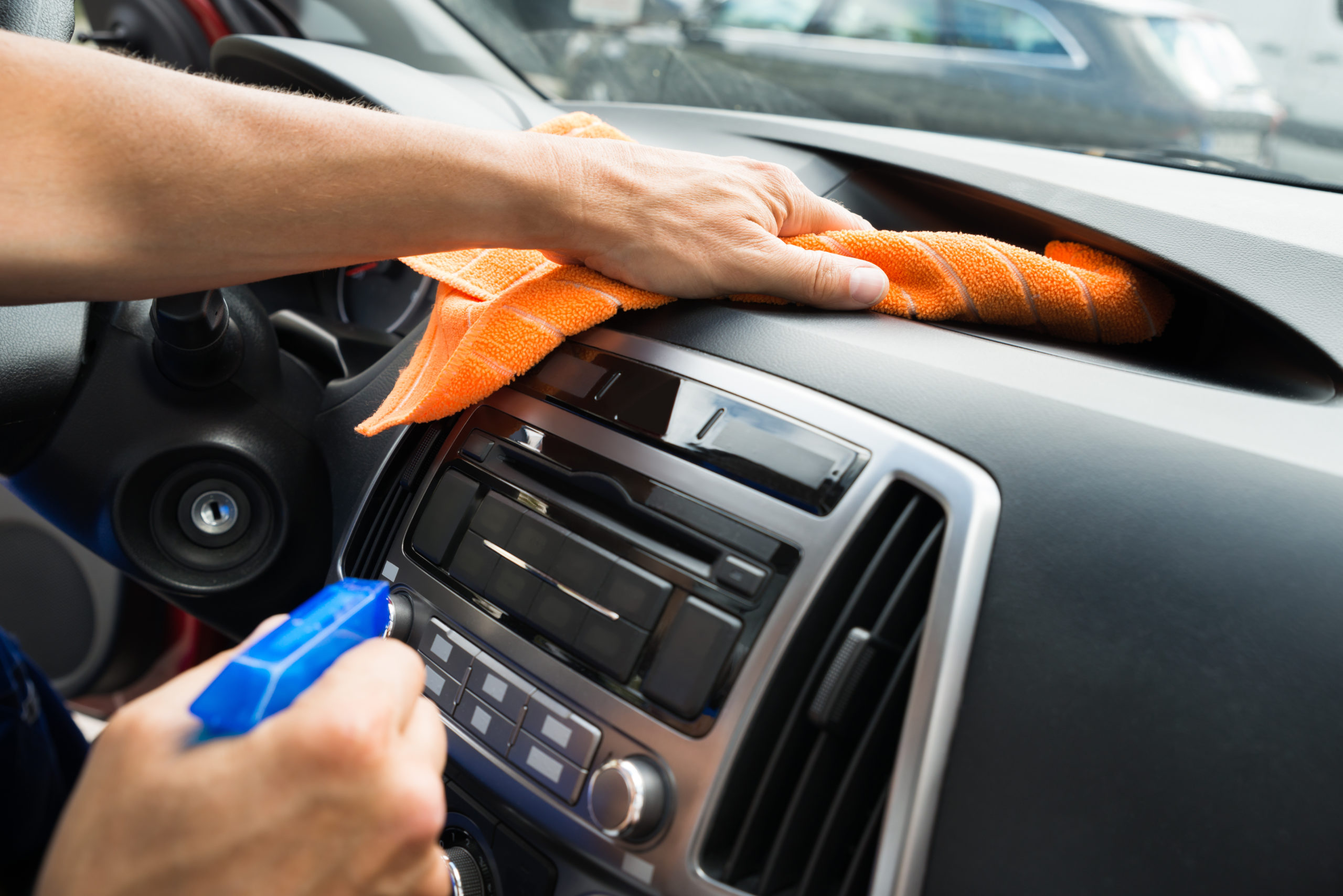 how to detail your car - wipe down dashboard