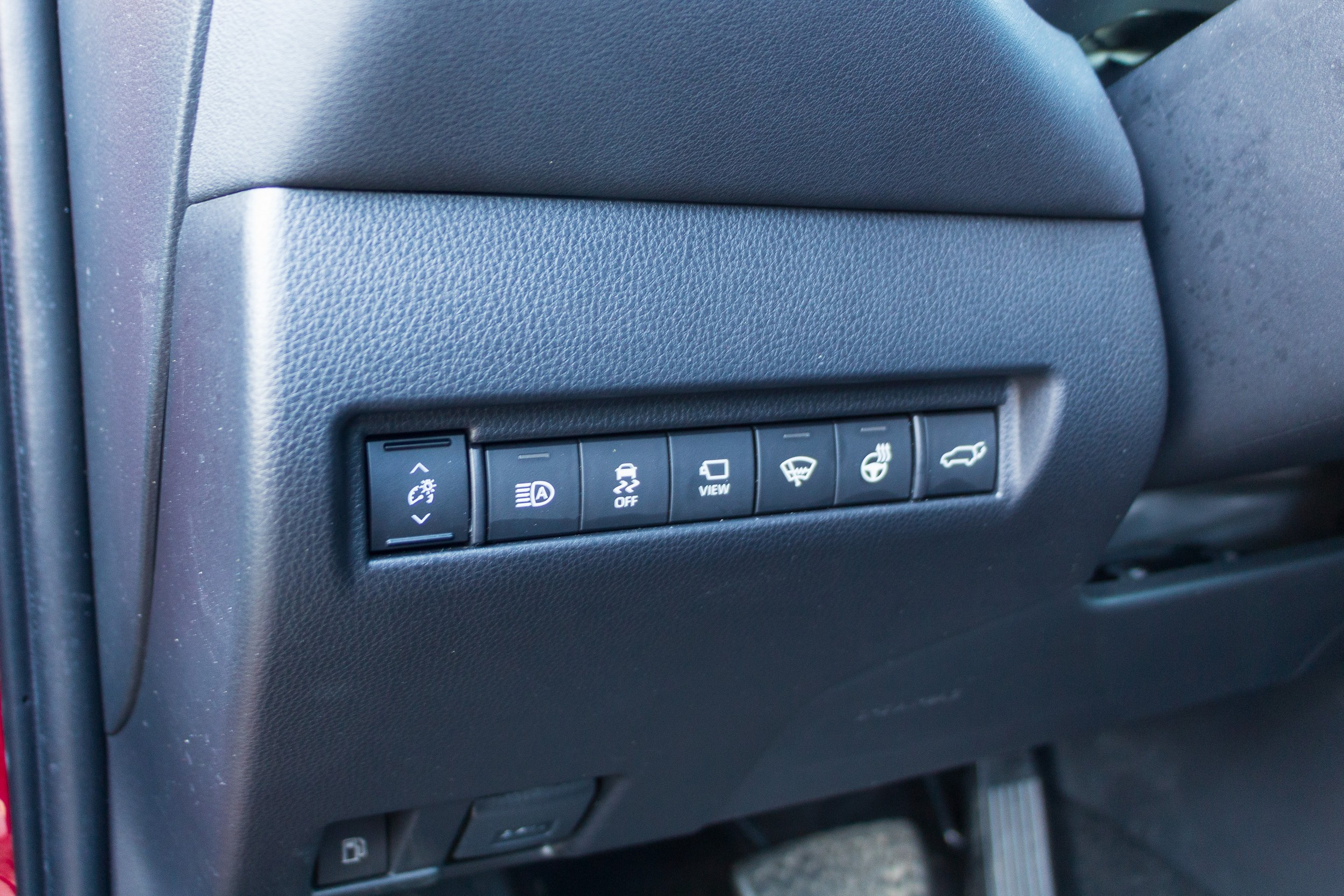 2021 Toyota Venza Limited front buttons