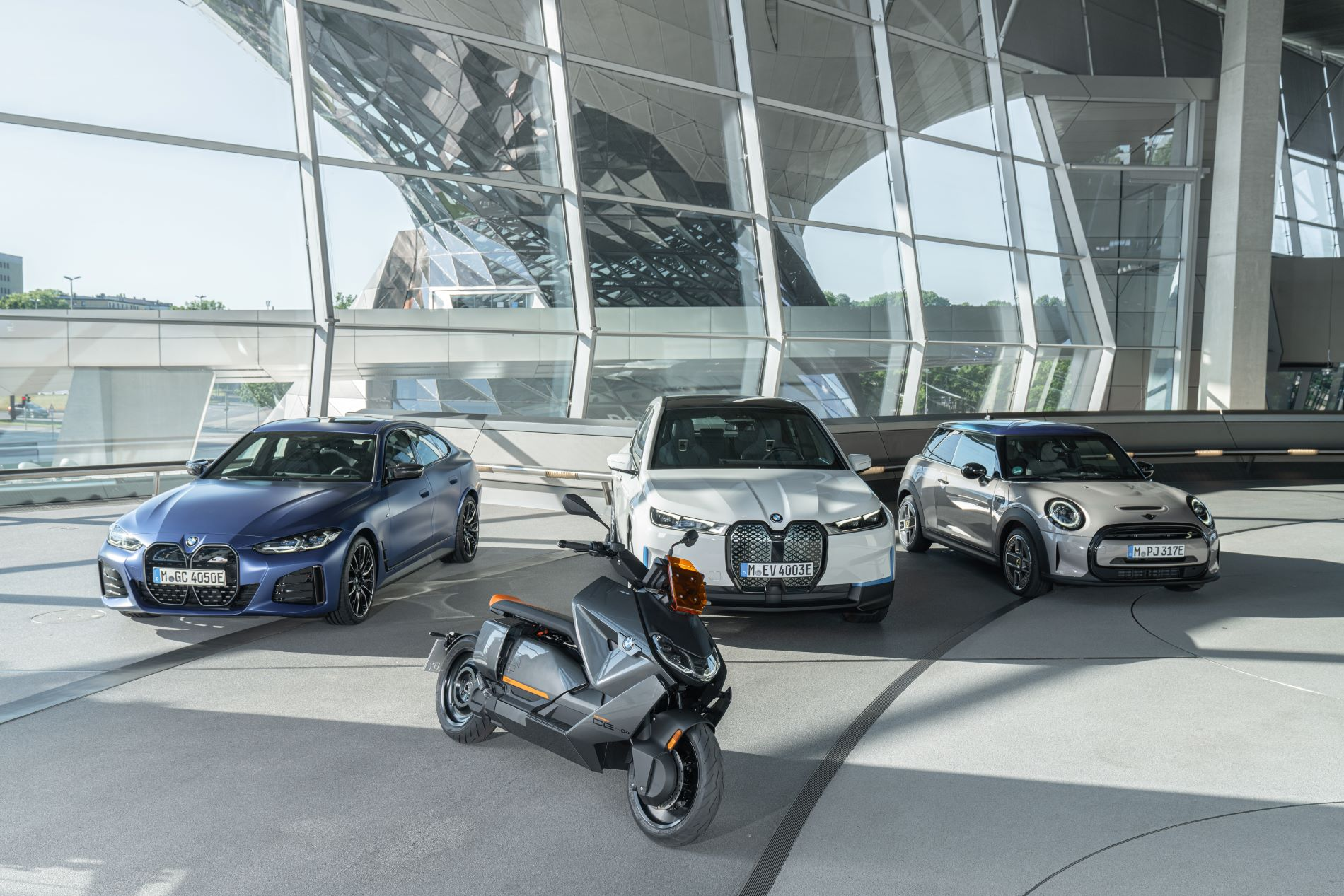 bmw ce 04 with cars