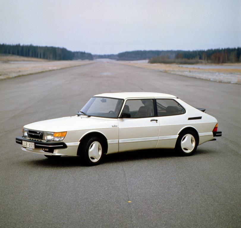 white Saab 900 Turbo - future classic cars