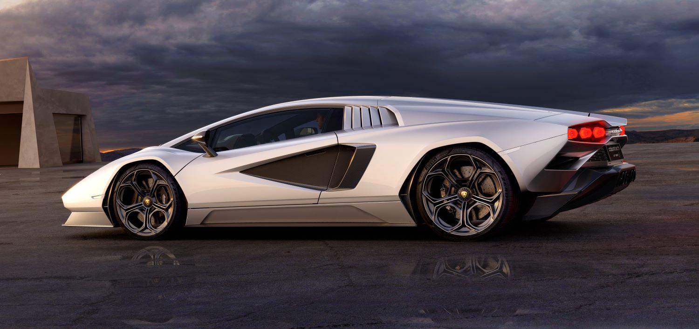 2021 Lamborghini Countach side view