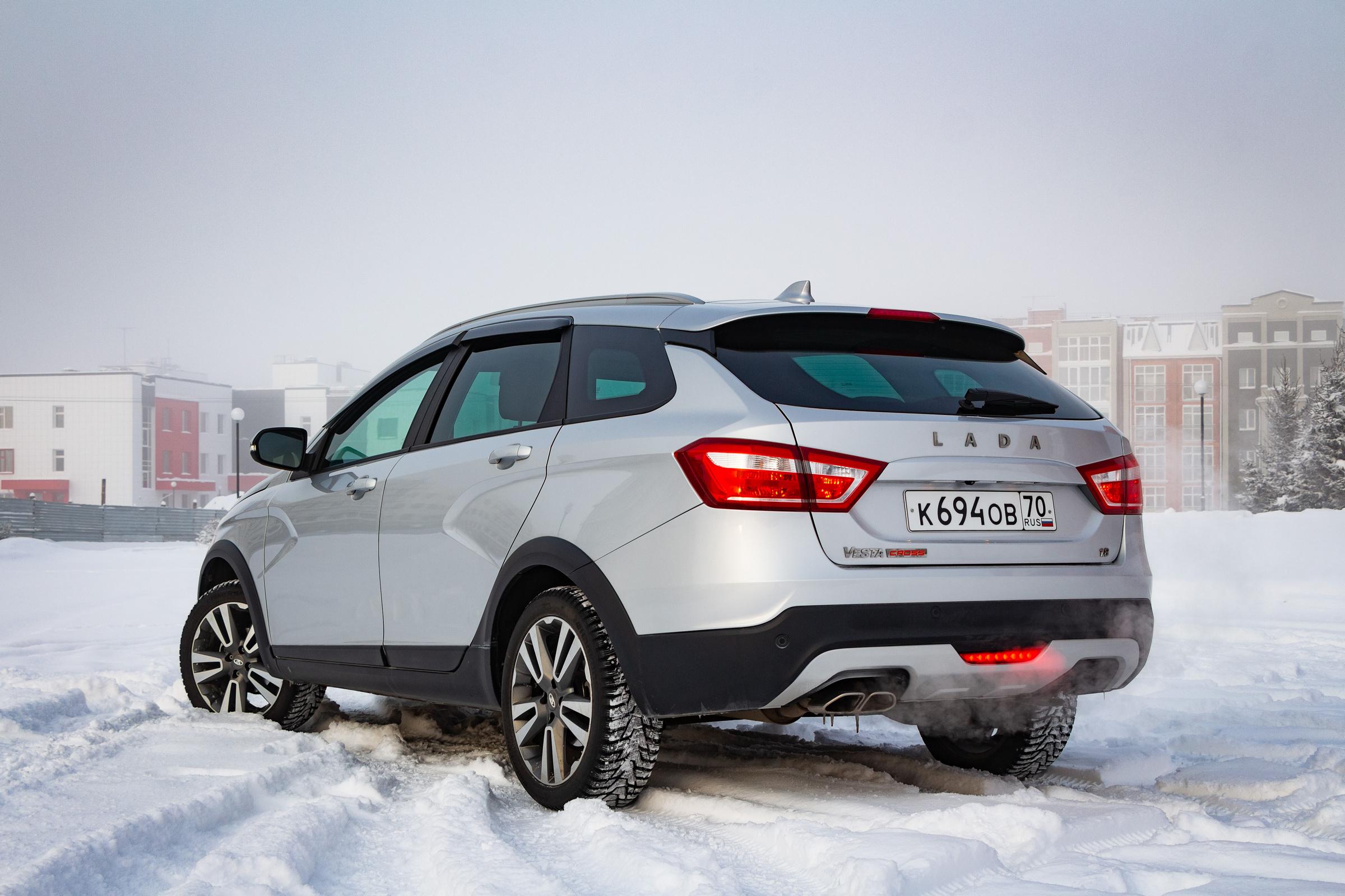 Silver Lada Vesta in snow
