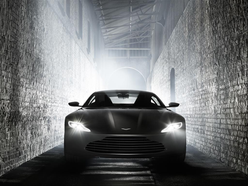 daniel craig james bond cars Aston DB10