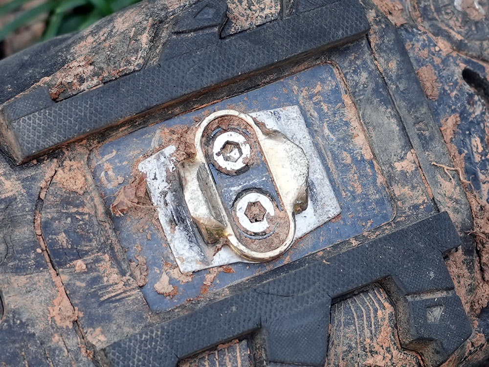 crank brothers shoe shields fit between the cleats and mountain bike shoe outsole to prevent damage from the pedals