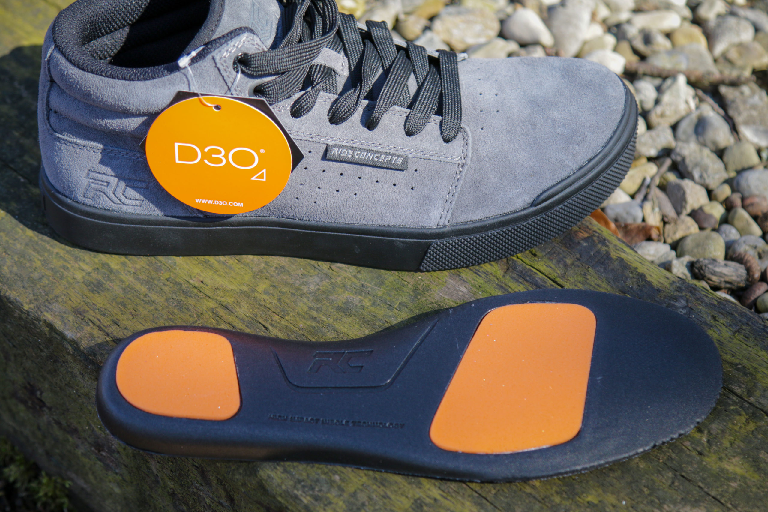 Ride Concepts Vice Mid shoe with d30 insoles