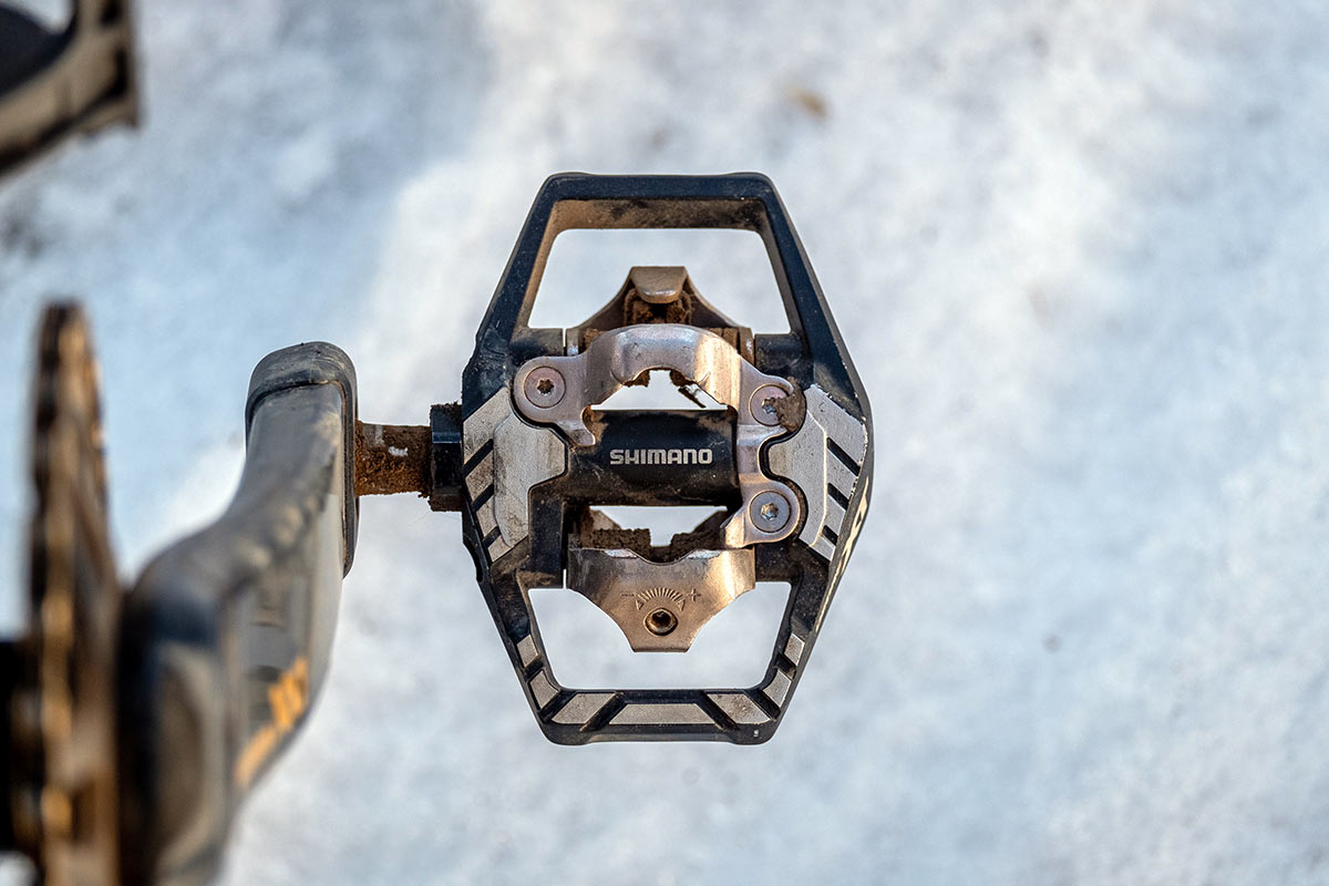 shimano m8120 trail pedals with smooth platform