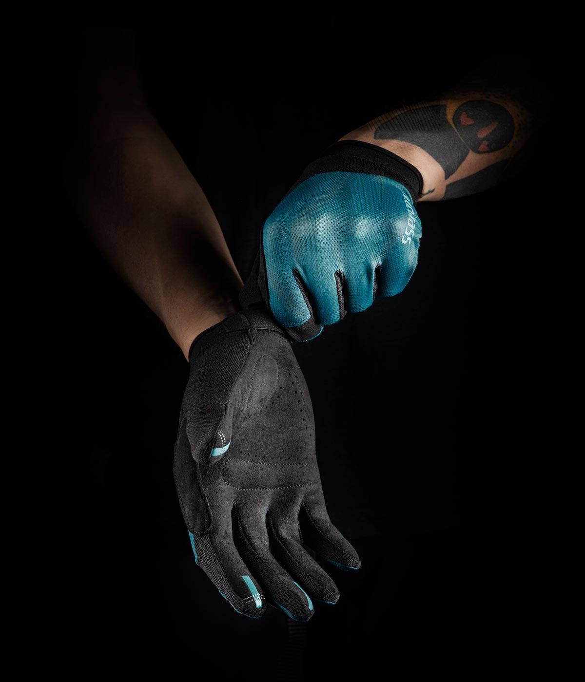 bluegrass react mtb gloves blue