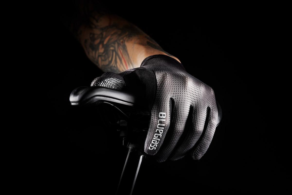 bluegrass vapor lite emtb gloves black forehand