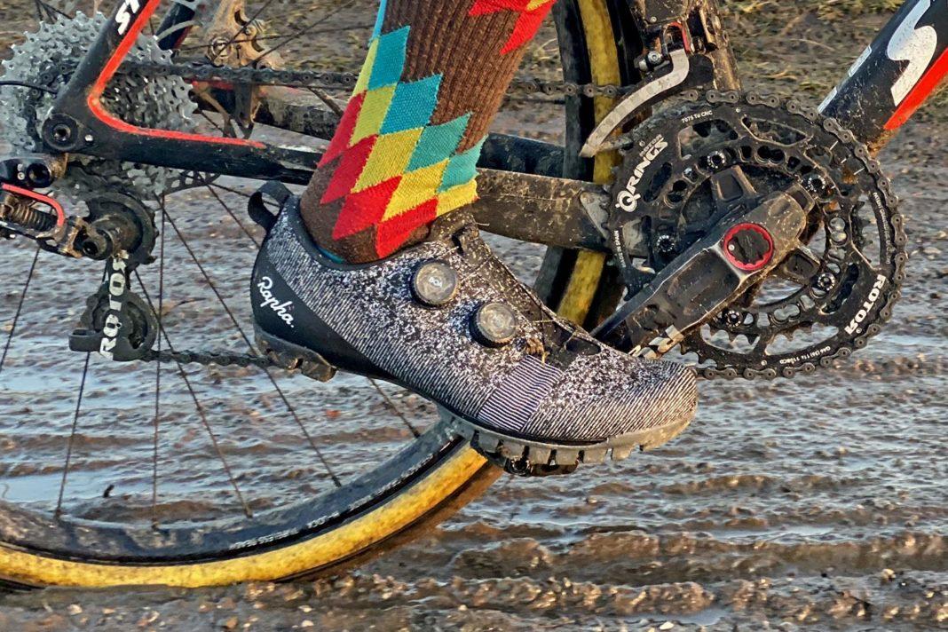 Rapha Explore Powerweave carbon-soled gravel bike shoes,muddy riding