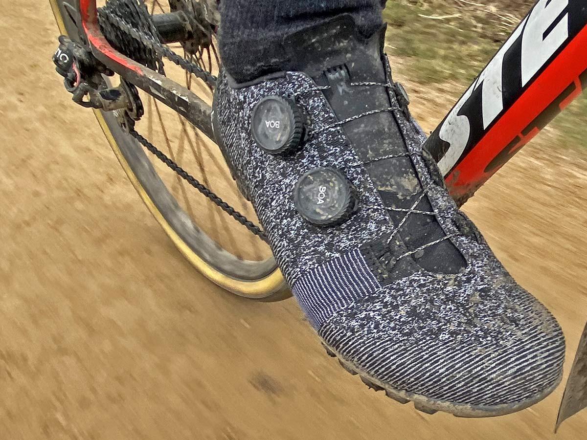 Rapha Explore Powerweave carbon-soled gravel shoe review,Boa Li2 detail