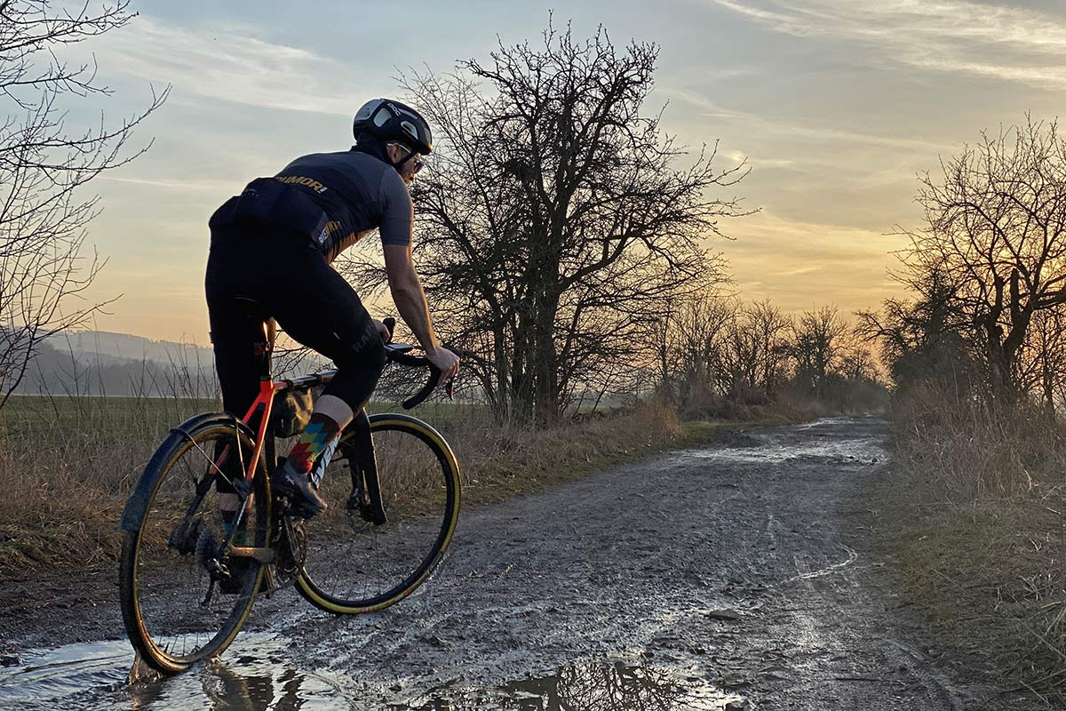 Rapha Explore Powerweave carbon-soled gravel shoe review,wet spring riding