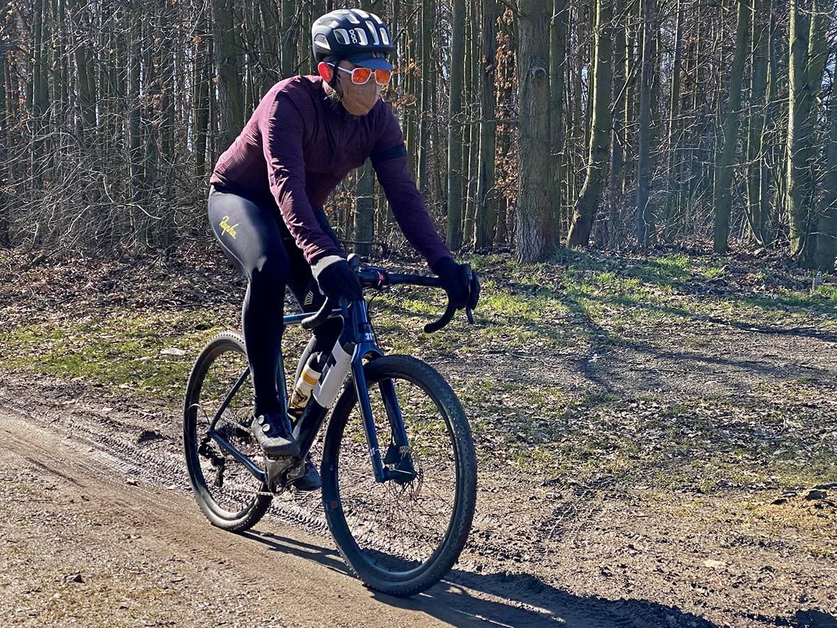 Rapha Explore Powerweave carbon-soled gravel shoe review,riding angled
