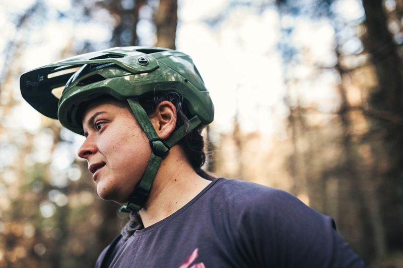 scott stego plus enduro mountain bike helmet integrated gopro mount peak