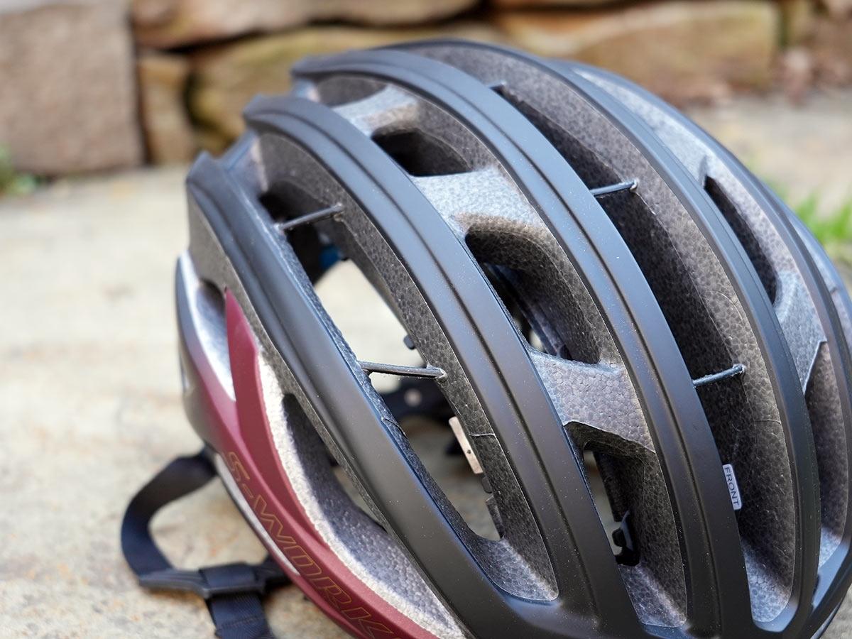 aramid rope tubes running through specialized prevail 2 vent bike helmet