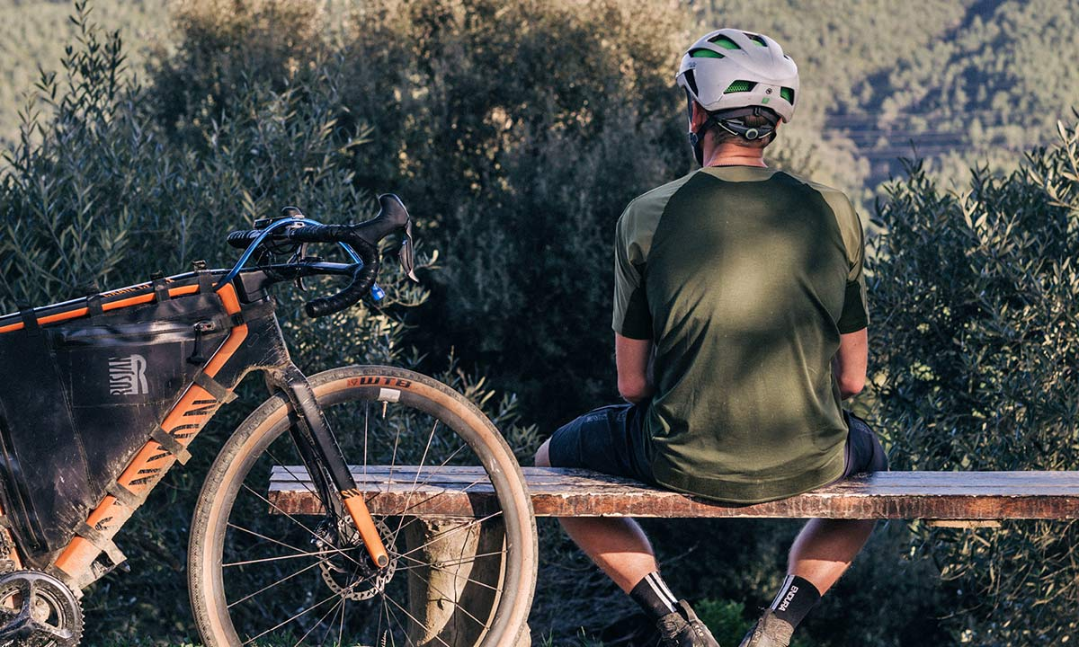 Endura GV500 Gravel Collection clothing, Dirty Reiver & Aberfoyle off-road-ready cycling kit,trailside
