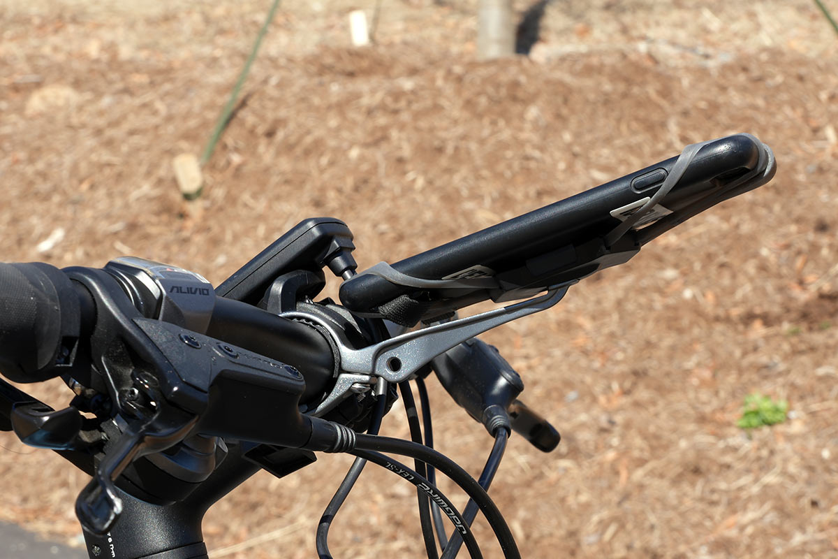 delta cycle x pro handlebar mount universal smartphone holder