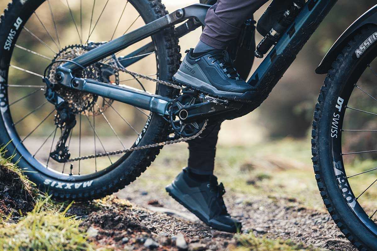 specialized rime flat pedal mountain bike shoe review