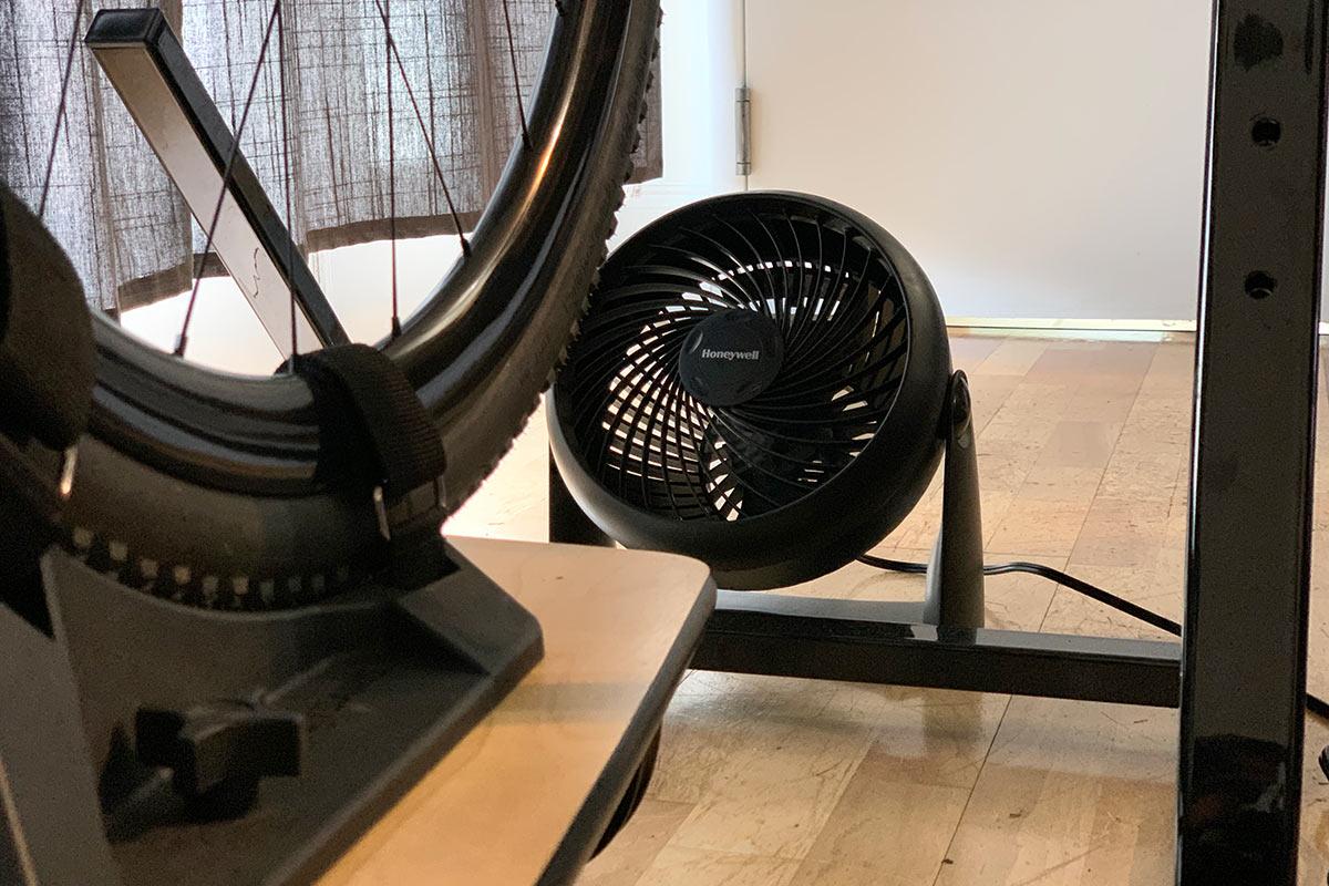 honeywell desktop fan for indoor trainer riding