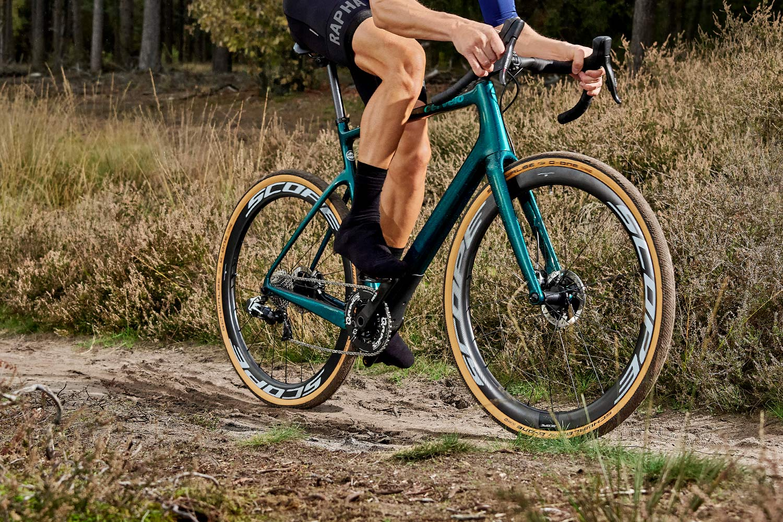 Scope All-Road aero carbon gravel bike wheels, lightweight aerodynamic tubeless riding dirty