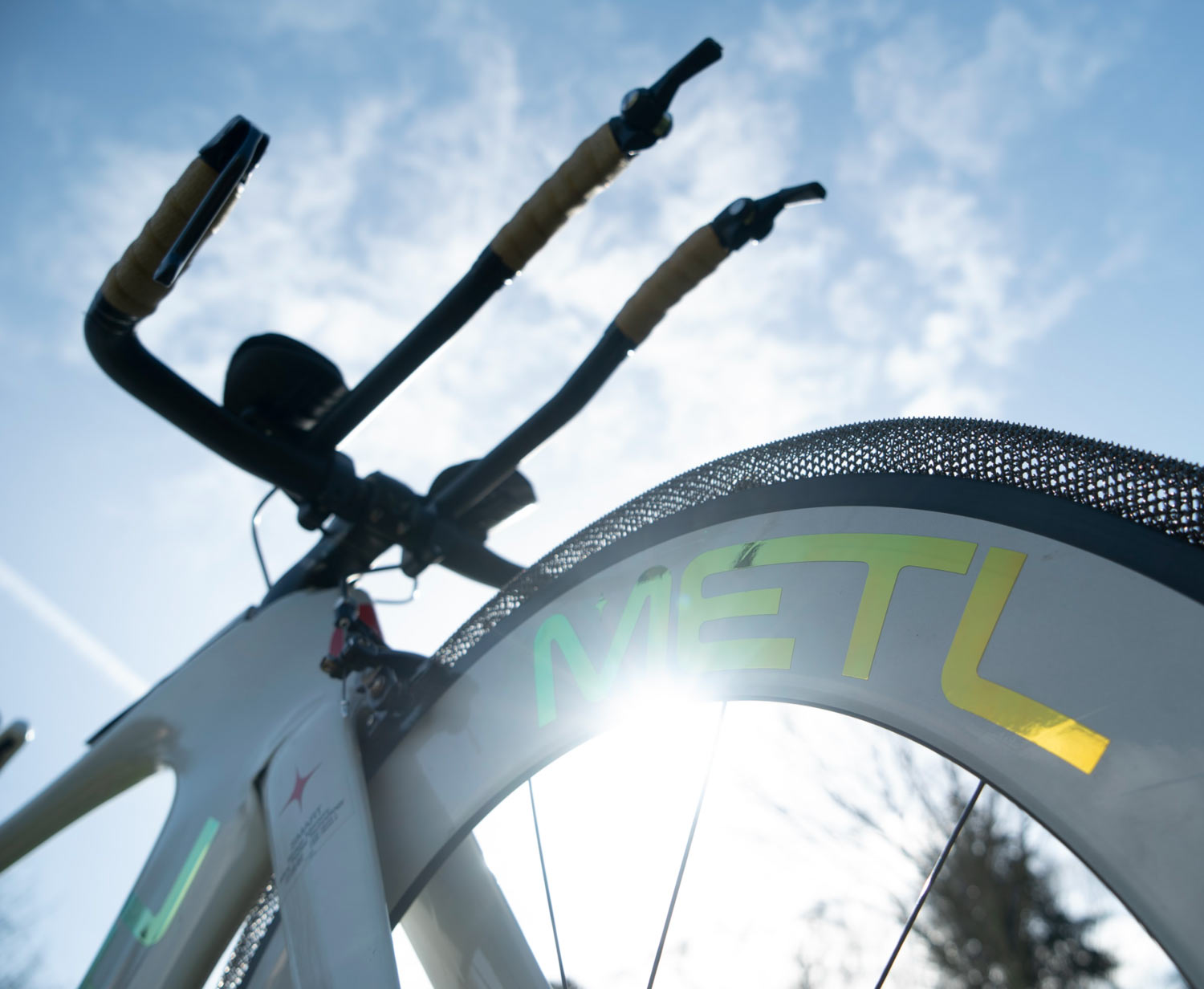 smart metl memory metal bicycle tires using nasa technology
