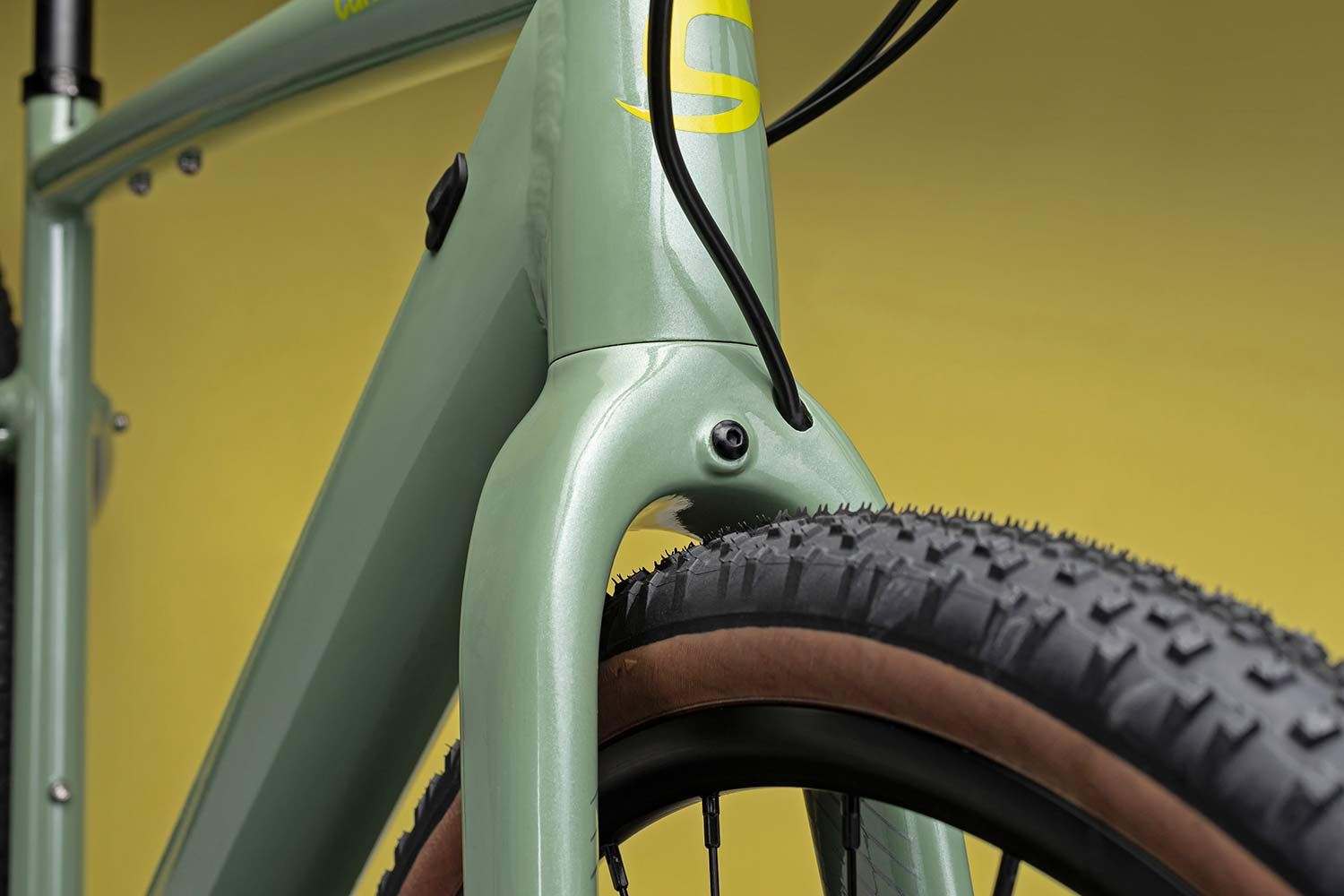 Cannondale Topstone Neo SL lightweight affordable alloy gravel e-bike,42mm tire clearance