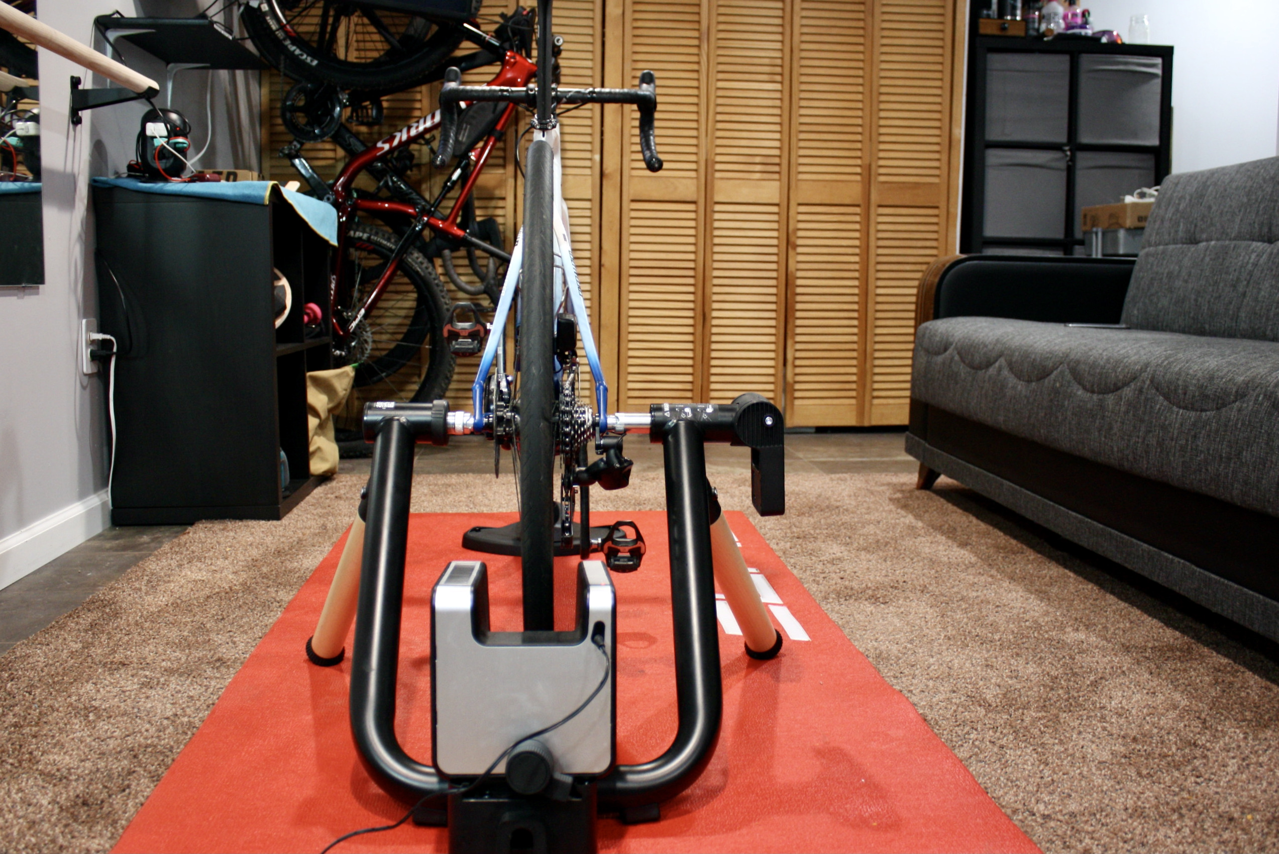 Elite Tuo Trainer Review attachment roller wheel rear view