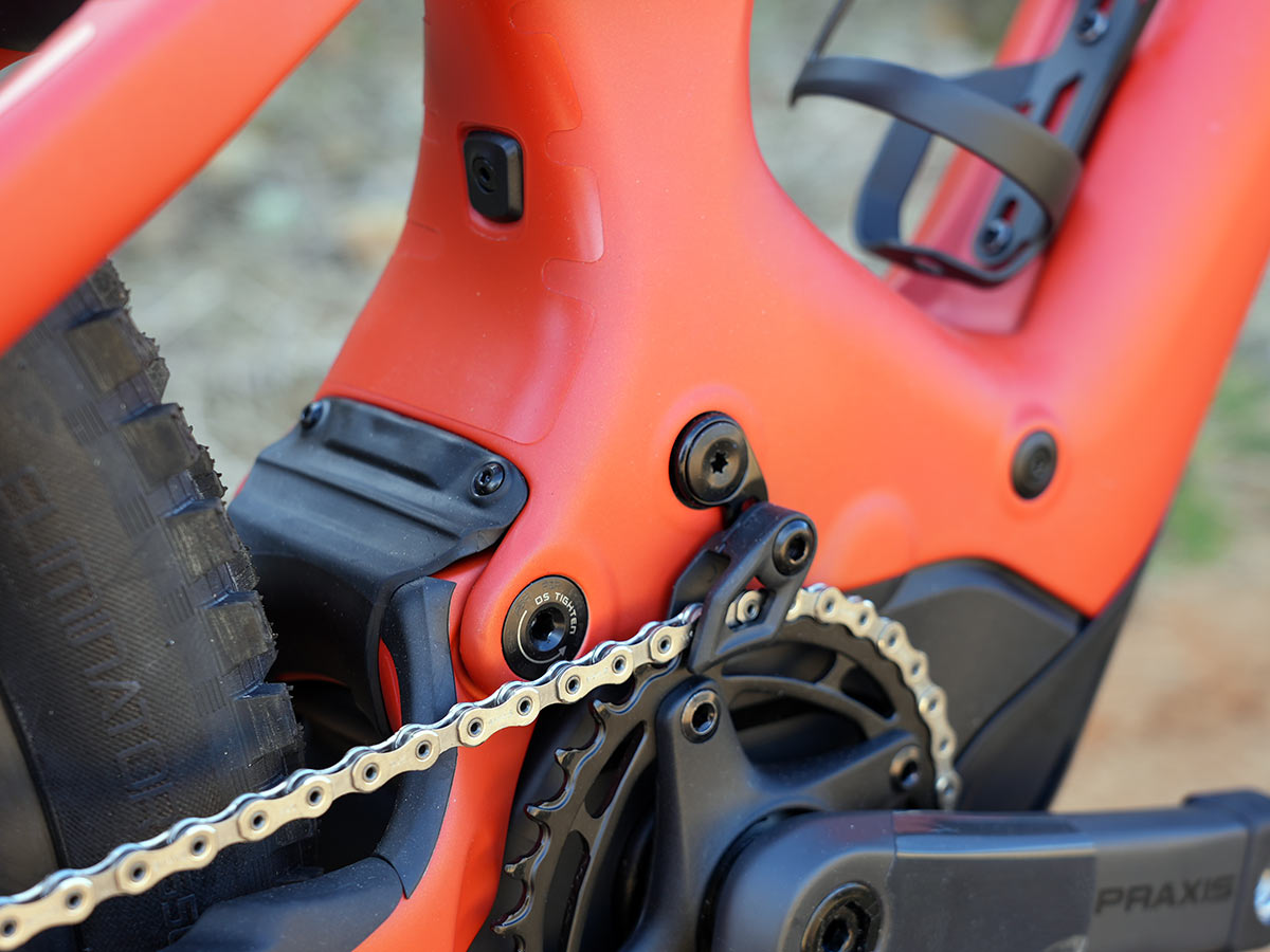 specialized turbo levo lower pivot and chain guide